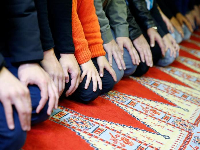 muslim-prayer-mat