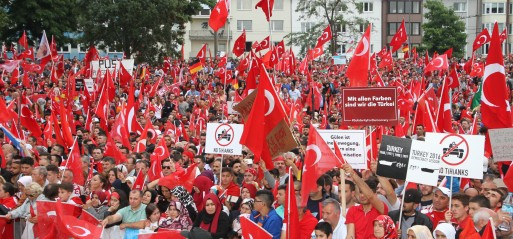 Germany-Thousands-Turkish-living-in-Euripe-pro-democracy-rally-in-Cologne-31-july-16-failed-coup-attempt-pho-Mesut-Zeyrek-AA-513x239